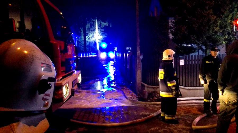 Pożar budynku przy cukierni w Kałęczynie - Grodzisk News