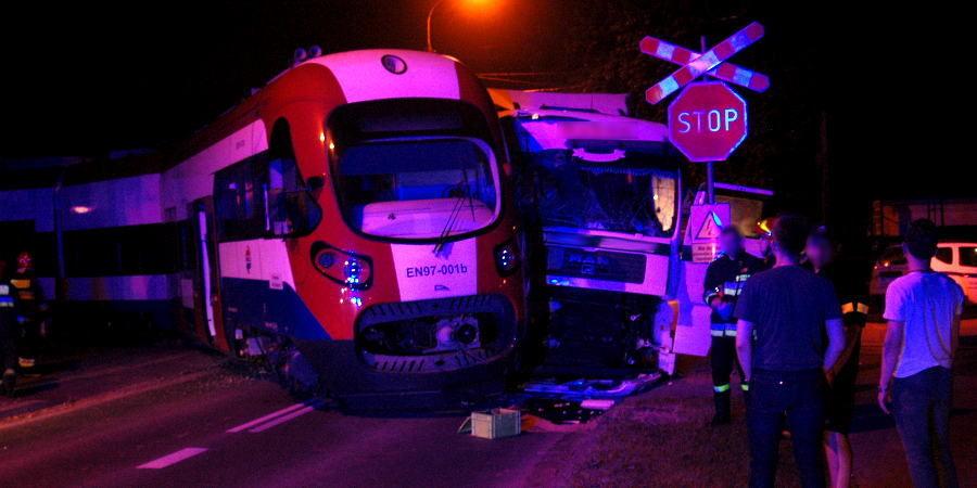 Ciężarówka zderzyła się z wukadką [AKTUALIZACJA] - Grodzisk News