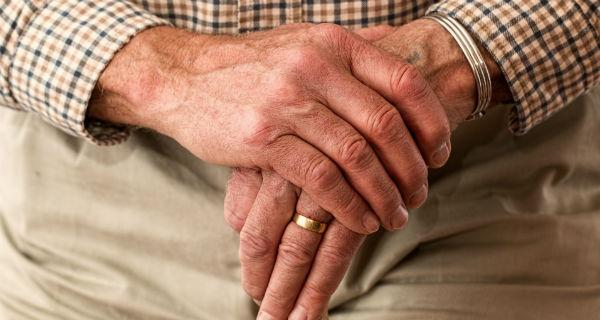 Seniorzy potrzebują naszej pomocy - Grodzisk News