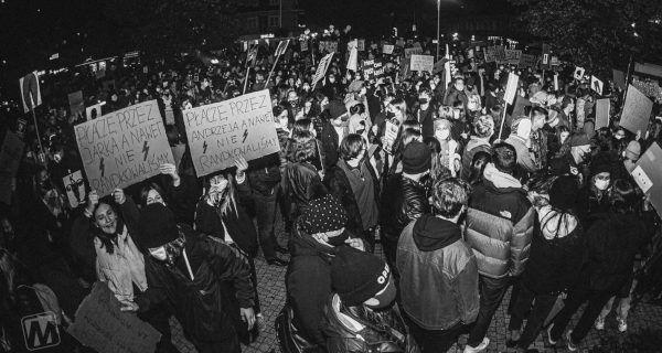 Tak spacerowicze protestowali w Grodzisku [FOTO] - Grodzisk News