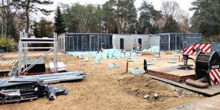 Rozpoczął się montaż modułów przedszkola - Grodzisk News