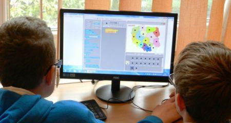 Sprzęt komputerowy dla szkół z naszego powiatu - Grodzisk News