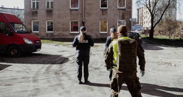 Terytorialsi wspierają policjantów z Grodziska w nadzorze kwarantanny - Grodzisk News