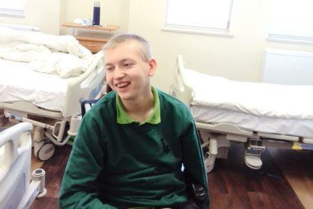 Jeden cel: uśmiech i nadzieja Matiego w walce z niewidzialnym wrogiem - Grodzisk News