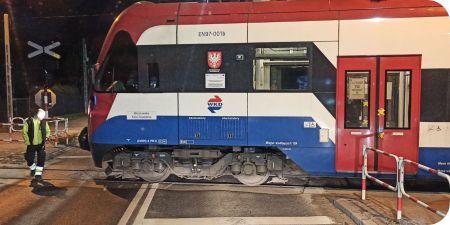 Kolizja pociągu z osobówką w Grodzisku - Grodzisk News