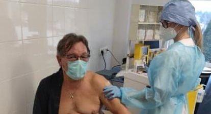 Pierwsi zaszczepieni przeciw COVID-19 w Grodzisku - Grodzisk News
