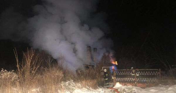 Pożar pustostanu w Sadych Budach [FOTO] - Grodzisk News