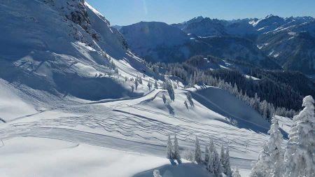 Ubezpieczenie narciarskie – co powinno zawierać? - Grodzisk News