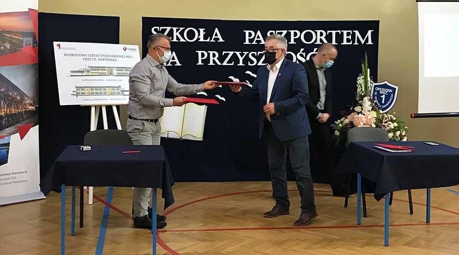 Umowa na przebudowę szkoły nr 1 podpisana - Grodzisk News