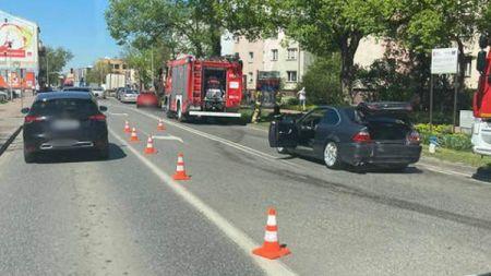 Zderzenie ciężarówki z osobówką w centrum Grodziska [FOTO] - Grodzisk News