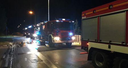 Nocny pożar budynku w Henryszewie. Pięć zastępów w akcji - Grodzisk News