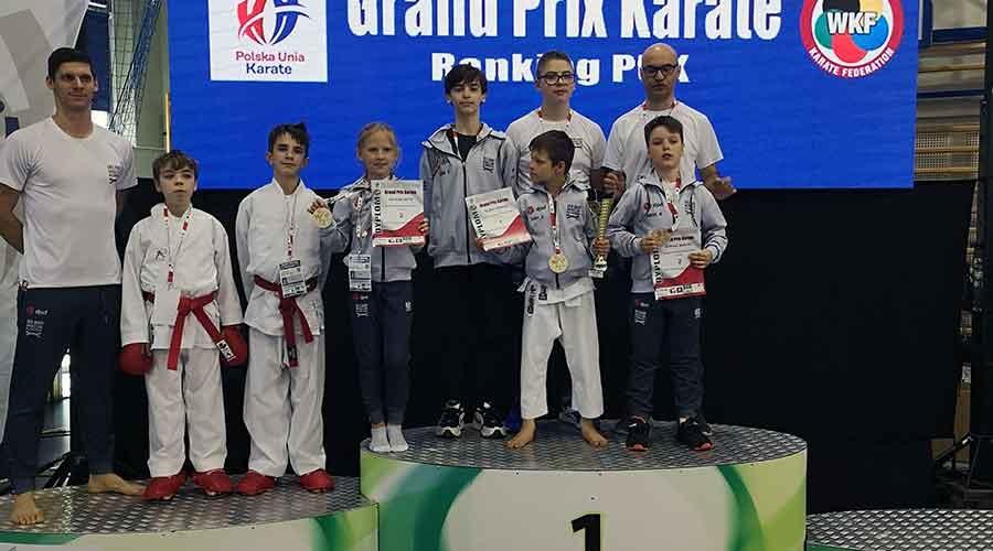 Sukcesy młodych grodziskich karateków - Grodzisk News