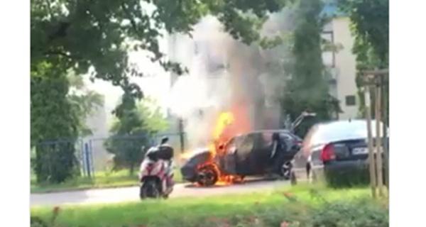 Pożar auta na Traugutta [FOTO] - Grodzisk News