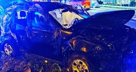 Dacia dachowała na S8. Kierowca w szpitalu - Grodzisk News