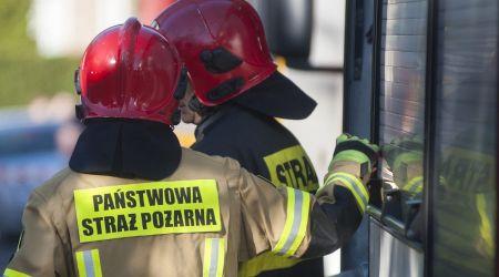 Kolizja na A2. Samochód uderzył w bariery - Grodzisk News
