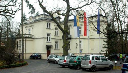 Milanowski Lasek Pondra ogrodzony. Tak zdecydowali właściciele - Grodzisk News