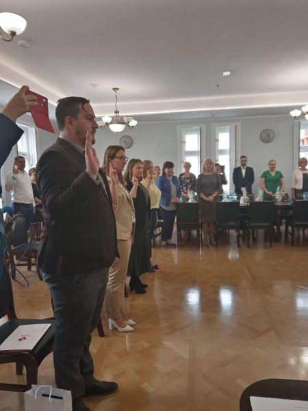 Nowi dyrektorzy w grodziskich podstawówkach, awanse dla nauczycieli - Grodzisk News