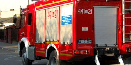 Wyciek z tira, duża plama na grodziskim wiadukcie - Grodzisk News