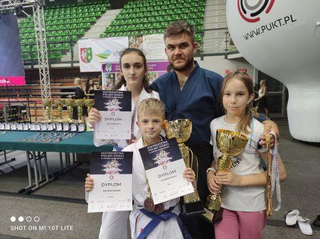 Młodzi karatecy z Grodziska z czterema medalami - Grodzisk News