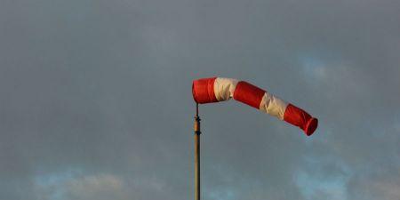 Uwaga na silny wiatr. Nadal będzie wiał - Grodzisk News