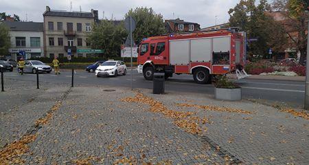 Utrudnienia w centrum Grodziska. Plama oleju na drodze [FOTO] - Grodzisk News