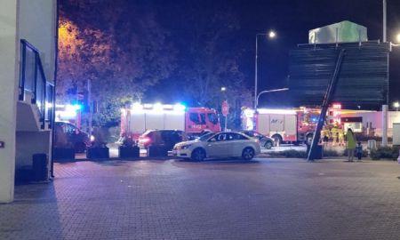 Zderzenie osobówki z radiowozem w Grodzisku. Policjant w szpitalu - Grodzisk News