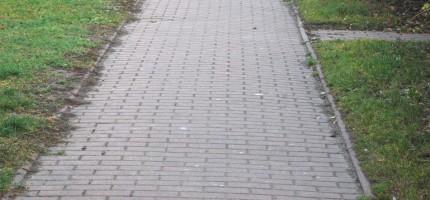 Wybudują chodnik i zatokę parkingową