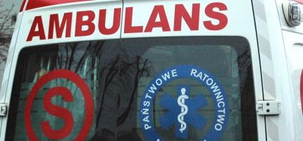 Zderzenie dwóch osobówek, ranny kierowca