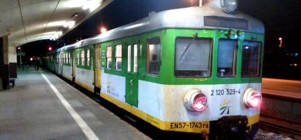 Wieczorne utrudnienia na kolei