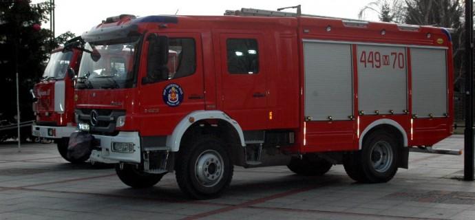 Płonie kurnik w Kaskach. Osiem zastępów w akcji