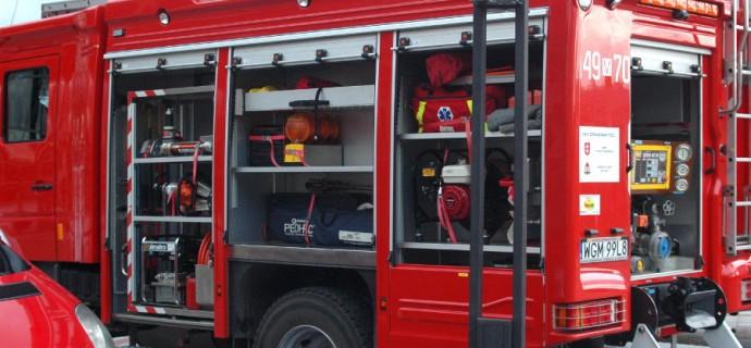Poranny pożar w Starych Budach, pięć zastępów w akcji