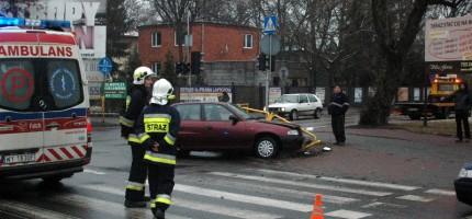 Zderzenie dwóch osobówek w Milanówku