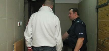 Policyjny pościg w Grodzisku. 33-latek uciekał z narkotykami