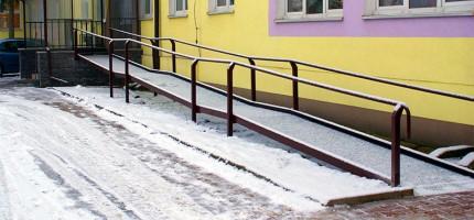 W Baranowie też usuwają bariery