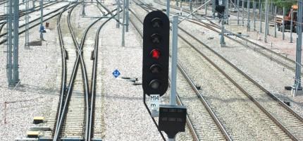 Awaria sterowania ruchem, pociągi opóźnione