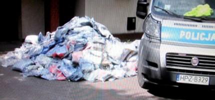 Podejrzany o włamanie miał w stodole 4 tysiące par spodni