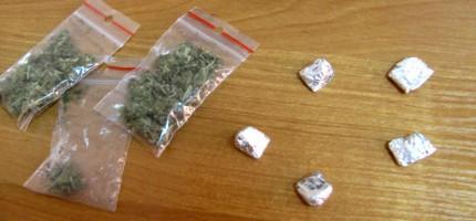 Dwóch zatrzymanych z narkotykami