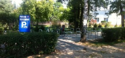 Nowy parking rowerowy przy WKD