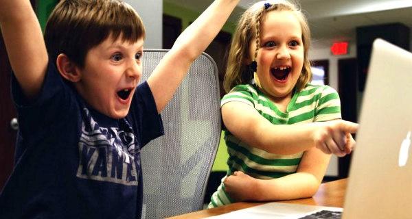 Wakacje, czyli niebezpieczeństwa w sieci dla dzieci