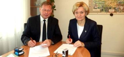Gmina podpisała umowę na budowę sali sportowej
