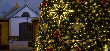 Grodzisk w scenerii zimowo-świątecznej
