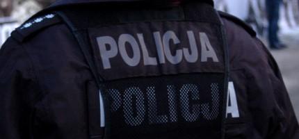 Policyjna eskorta do szpitala, mężczyzna wymagał pilnej pomocy