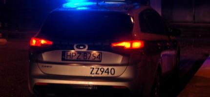 Wieczorna kolizja w Jaktorowie. Osobówka wypadła z drogi