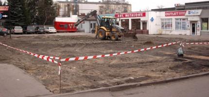 Porządkują teren pod parking w centrum miasta