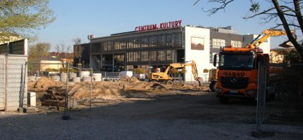 Ruszyła budowa parkingu przy Centrum Kultury
