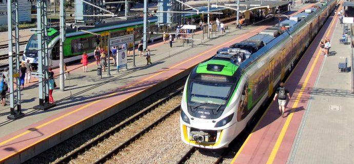 Przed pasażerami dalsze utrudnienia w ruchu pociągów