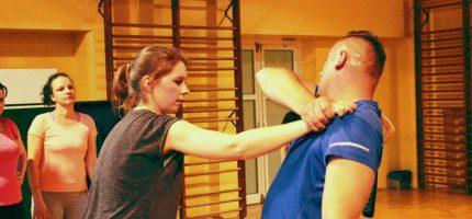 Milanowianki po kursach samoobrony
