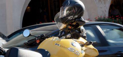 W sezonie motocyklowym apelują o ostrożność też do kierowców aut