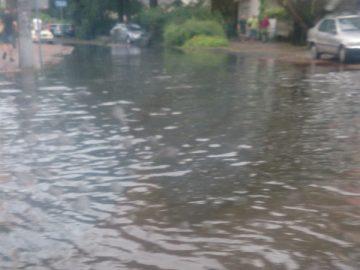 Ulice Milanówka pod wodą