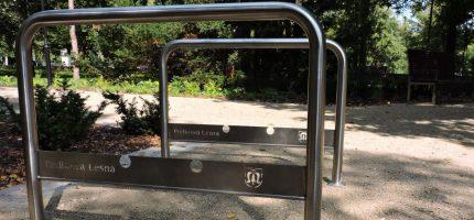 Nowe stojaki rowerowe w Podkowie